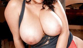 Des nanas avec de gros seins