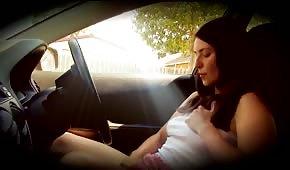 Se doigter solitaire dans la voiture