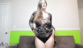 Elle a présenté un corps rond