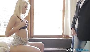 Porno sensuel avec une nuance aux cheveux blancs