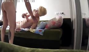 Caméra cachée et sexe amateur dans la chambre
