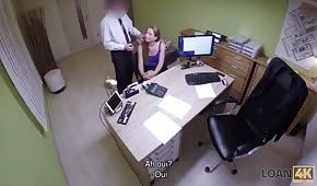 Caméra cachée et sexe rapide au bureau