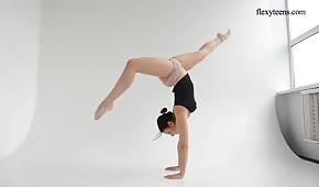 Un corps flexible d'un modèle cool